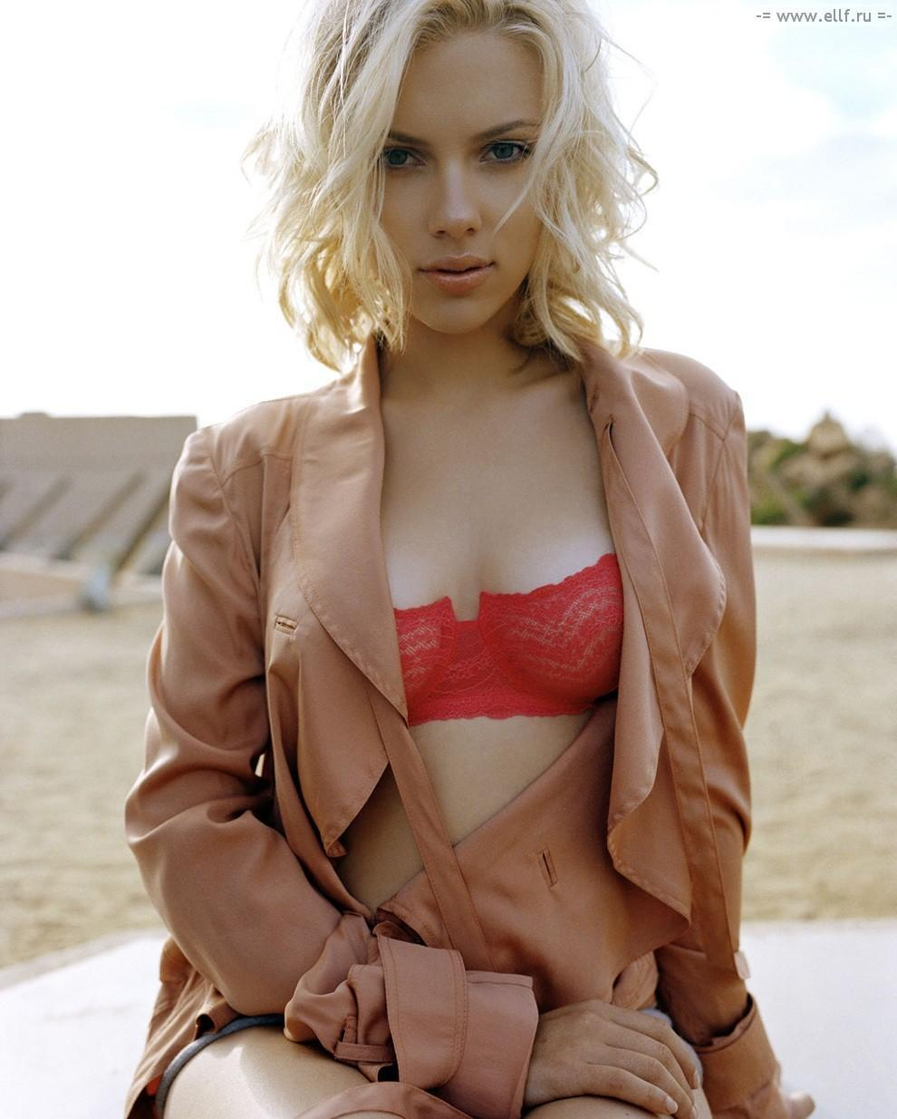 http://us.cdn003.fansshare.com/celebrity/photos/934_scarlett-johansson-hot-photos-hot-1036060737.jpg